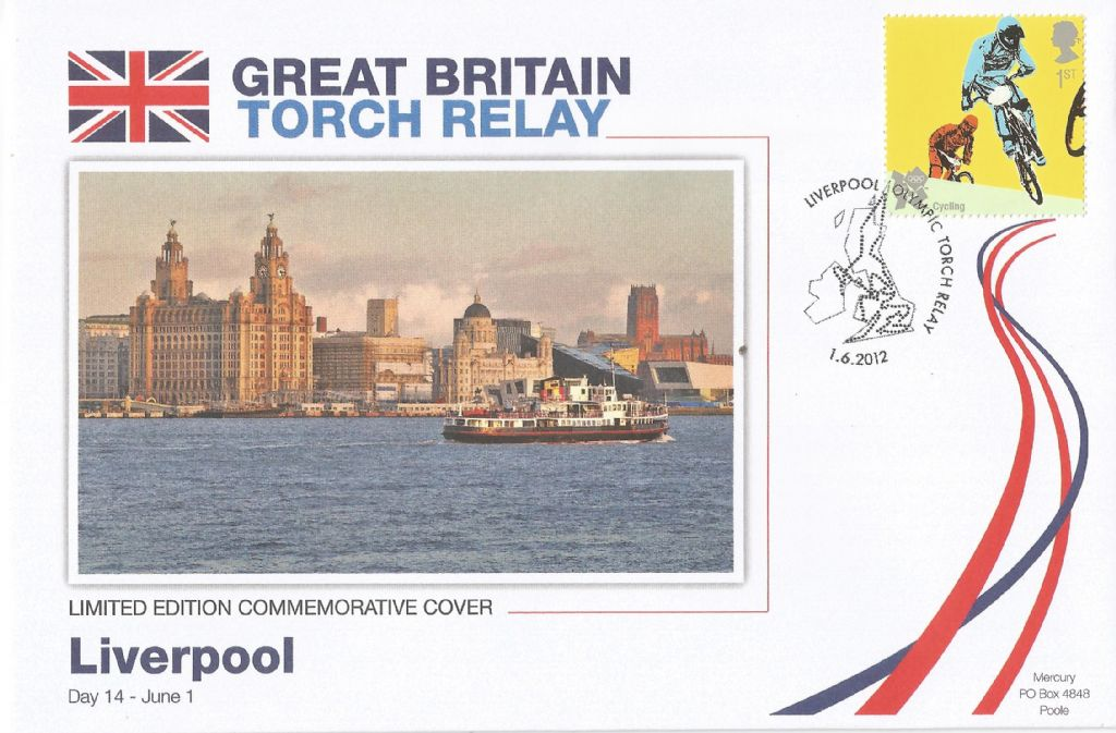 2012_liverpool olympic torch relay_18198.jpg