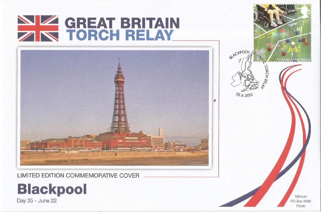2012_blackpool olympic torch relay_18218.jpg